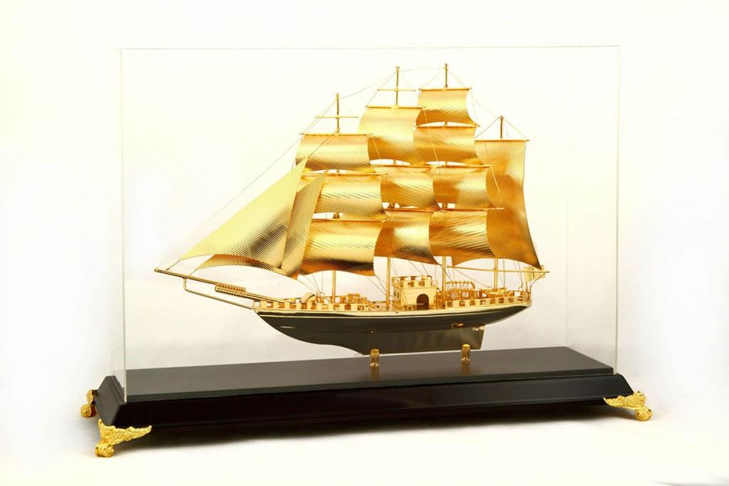 Tàu chiến lý thái tổ đồng mạ vàng 24k